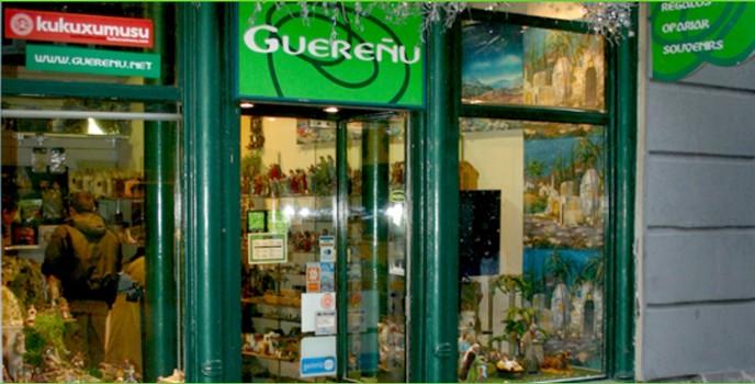 Tienda Guereñu en la Plaza General Loma